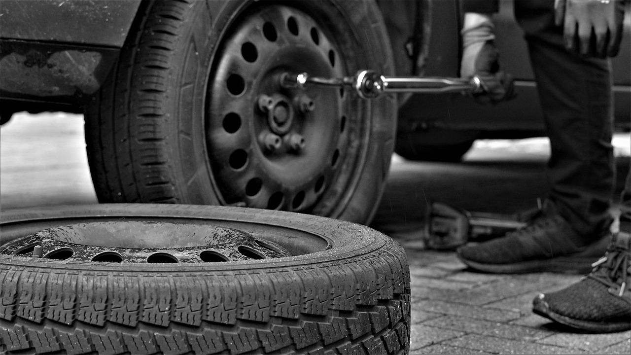 utahování pneumatik