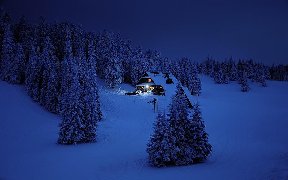 večer na horách
